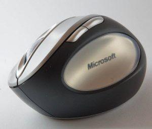 Mouse ergonomis dengan tombol disesuaikan