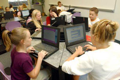 Manfaat Laptop di dalam sekolah